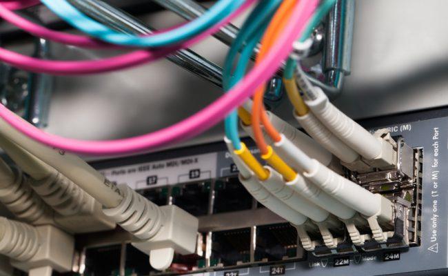 IT Server Shared Virtual Cloud Lichtwellenleiter Anschluss